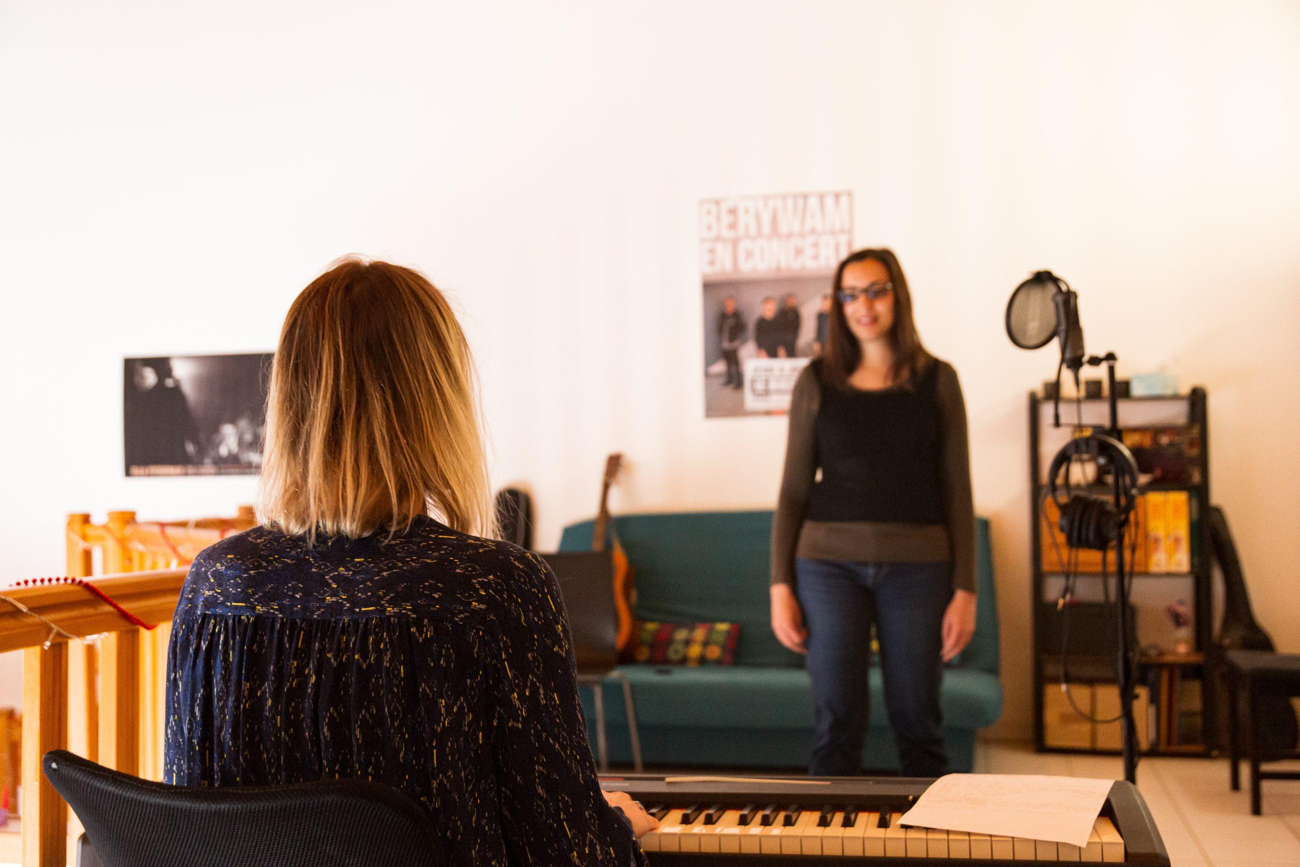 julie-liebon-en-cours-clavier